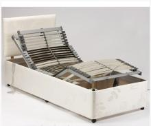 Elektromos betegágy görgős lábakon, kényelmi ágy